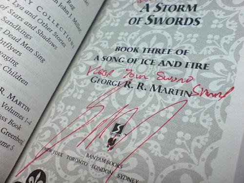 Mi 'A Storm of Swords' firmado por Martin