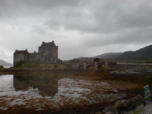 Eilean Donan, sede del Clan MacRae, y castillo de los MacLeod en Los Inmortales