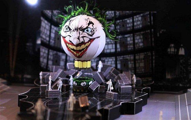 joker-blimp_1792607b.jpg