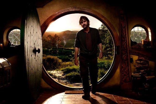Peter Jackson entrando en Bolsón Cerrado, hogar de Bilbo